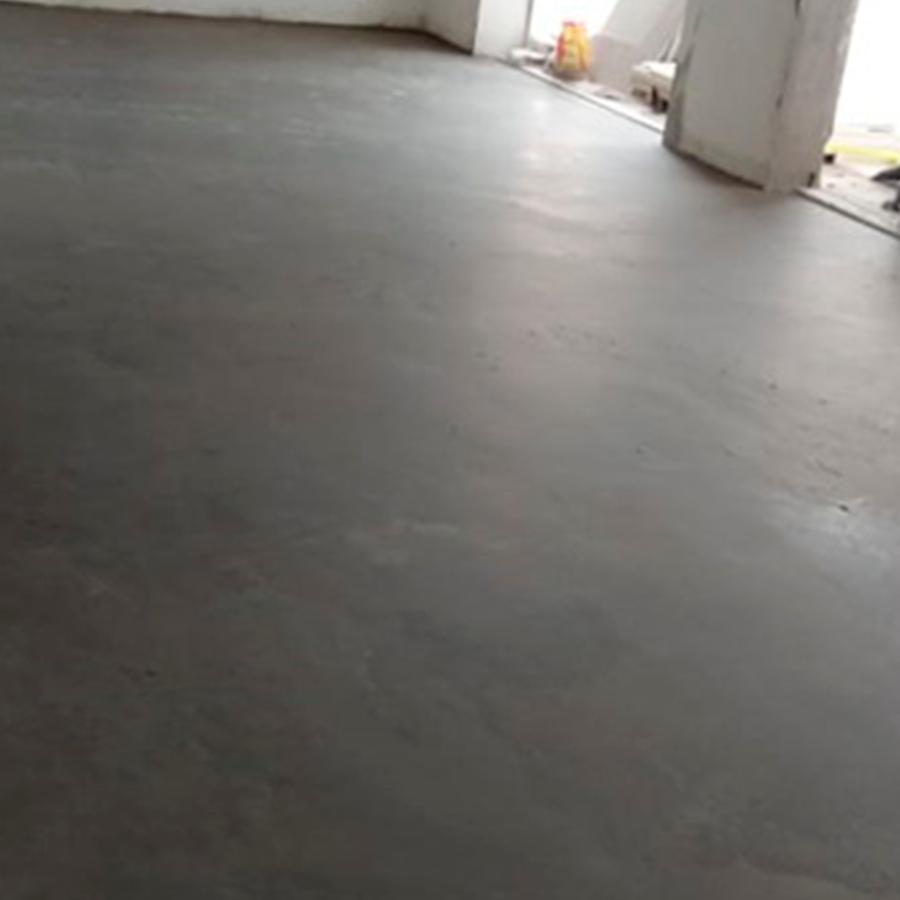 Depois da preparação, o contrapiso está pronto para a colocação do piso de madeira